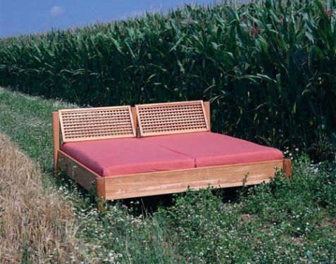 bettzeit lara das bett zum anlehnen und ausspannen bettzeit. Black Bedroom Furniture Sets. Home Design Ideas